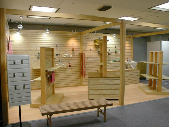 吉忠マネキンプライベート展 2010 / 自社ブース 吉忠マネキン 本社 / 小間(6M×3M)
